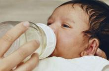 新生儿睡觉要开灯吗 开灯睡觉有5大危害
