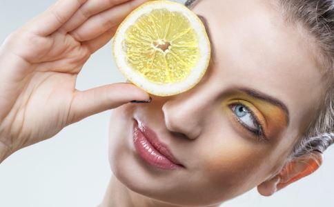 吃酸有哪些好处 柠檬有哪些营养价值《》吃酸性食物有哪些注意事项