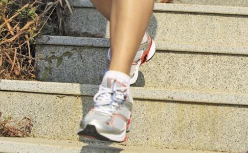 每日步数纳入考核 每天运动好处 运动前热身的好处