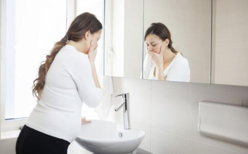 孕吐现象产生的原因 可适当吃酸性食物