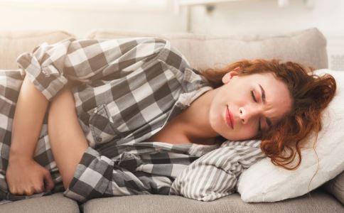附件炎有什么症状 急性附件炎有哪些症状 附件炎饮食要注意什么