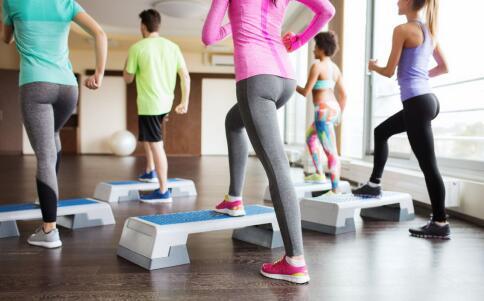 女性月经期能运动吗 经期可以做哪些运动 经期运动要注意哪些