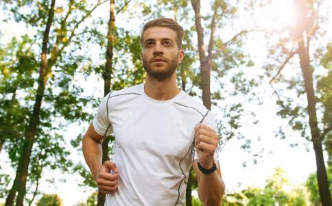 男人四十岁后如何养生 中年男人养生要预防哪些疾病 中年男人养生吃什么