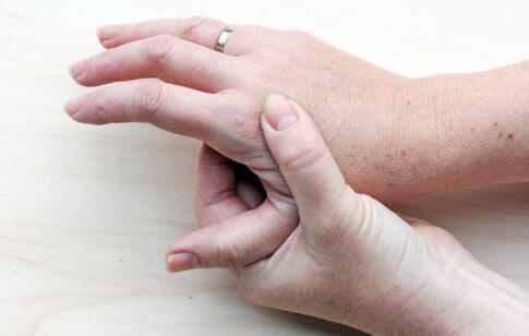如何治疗皮肤癌 治疗皮肤癌的偏方 皮肤癌的辅助治疗