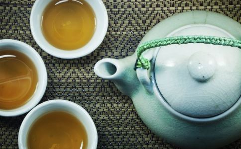 凉茶的功效有哪些 喝凉茶的好处 喝凉茶的功效与作用
