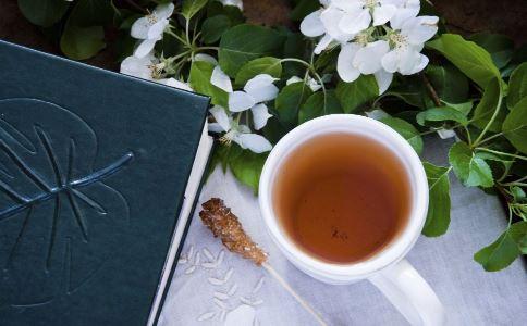 哪些人不宜喝苦丁茶 备孕的人可以喝苦丁茶吗 什么人最好别喝苦丁茶