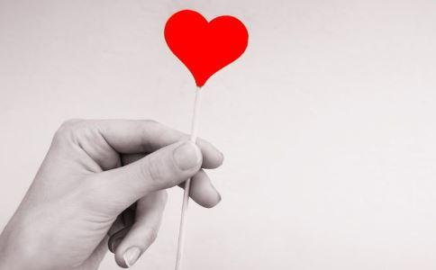 双胞胎献血79次 无偿献血的好处 献血前后注意事项