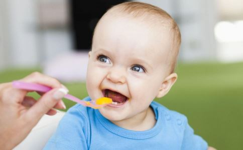 宝宝添加辅食常见问题 常见的宝宝辅食有哪些 宝宝吃辅食不舒服