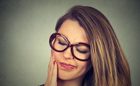 牙痛怎么办 牙痛如何治疗 牙痛治疗偏方有哪些