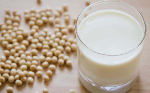 天天喝豆浆的好处 天天喝豆浆有什么坏处 未熟的豆浆能喝吗