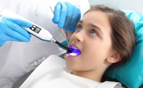 牙齿黄了怎么变白 牙齿美白有什么方法 怎么让牙齿变白