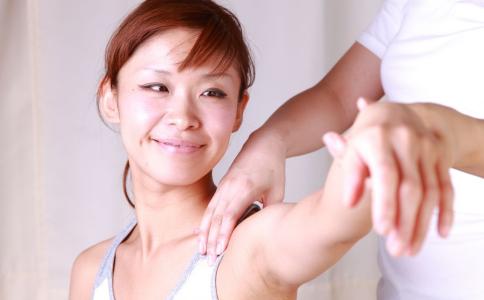 手臂粗壮怎么办 要如何瘦手臂 怎么让手臂变细