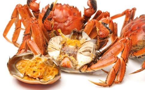 吃大闸蟹喝什么酒 吃大闸蟹配什么酒好 大闸蟹和什么酒一起喝比较好