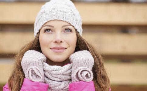 女性体寒容易得什么病 导致女性体寒的因素有哪些 女性体寒吃哪些食物好