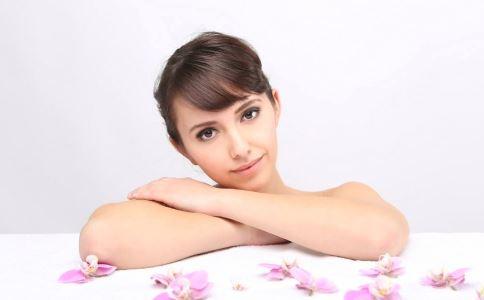 女性清洗乳房用香皂好吗 女性清洗乳房用什么比较好 女性清洗乳房时有哪些禁忌