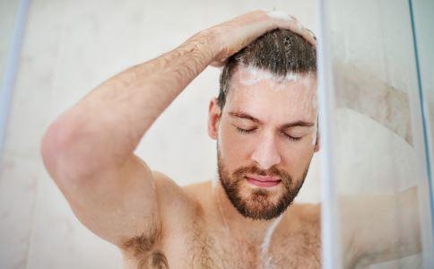 冬季如何洗澡好 冬季洗澡有什么好处 洗澡要注意什么