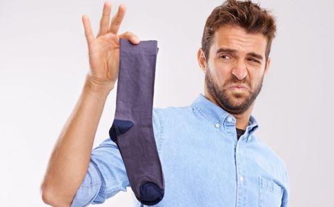 闻臭袜子致肺部感染 如何预防肺部感染 肺部感染症状