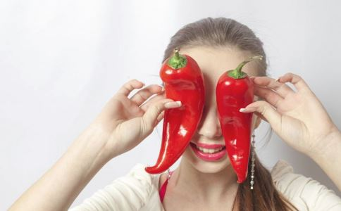 经期吃辣会怎样 经期吃辣会引起痛经吗 痛经如何食疗改善