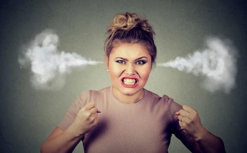 发怒会造成哪些伤害 爱发怒怎么办 如何控制自己的愤怒情绪