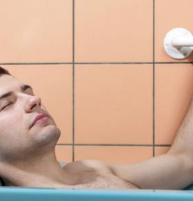 热水泡澡可以降低血糖吗 热水泡澡有哪些好处 热水泡澡可以预防疾病吗