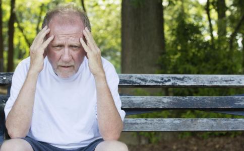 丧偶后会增加患疾病的风险吗 老人丧偶后怎么办 丧偶后如何排解情绪