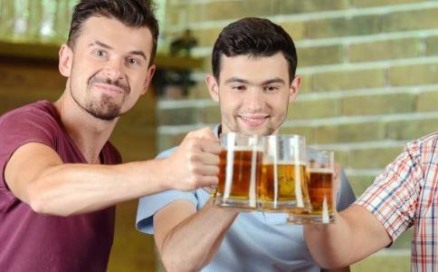 宿舍饮酒致截瘫 什么是脊髓炎 脊椎炎的症状