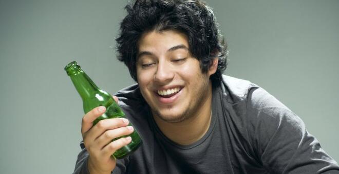 喝酒后不能做什么 酒后不能做的事情有哪些 怎么解酒快