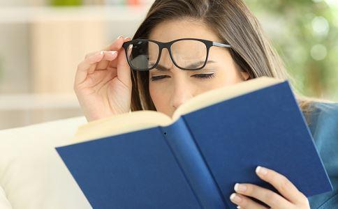 黎姿自拍戴老花镜 如何预防老花眼 怎么样不会得老花眼