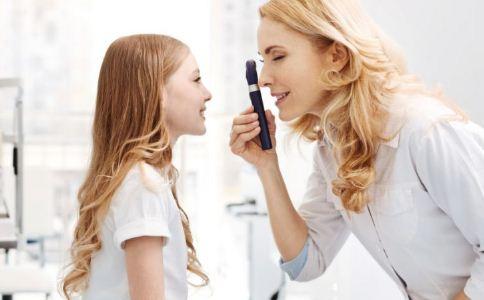 儿童近视怎么办 预防儿童近视的方法 儿童吃什么对眼睛好