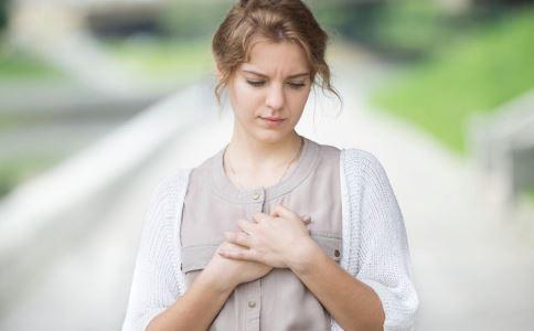 女性乳腺增生有哪些诱因 女性乳腺增生与人流有关吗 女性如何保护乳房健康