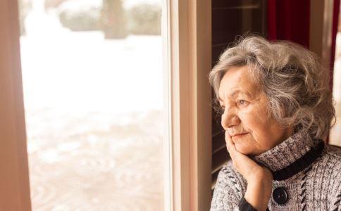 老人贫血有什么症状 老人贫血的症状有哪些 老人如何补血