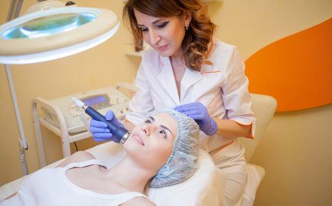 激光美容会令皮肤变薄吗 激光美容后能吃酱油吗 激光美容术后注意事项