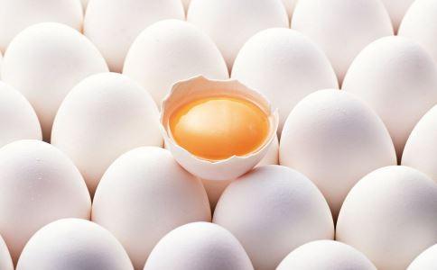 宝宝多大才能吃蛋白 一岁以后才能给宝宝吃蛋白吗 宝宝几岁可以吃蛋白
