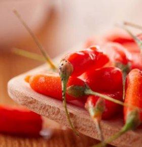 吃辣椒能御寒吗 吃辣椒有什么好处 哪些人不能吃辣椒