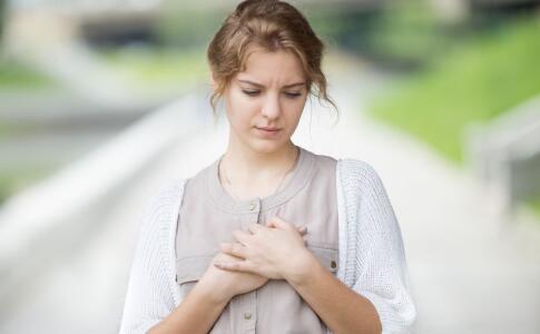 女性贫血有哪些症状 女性贫血怎么办 调理贫血吃哪些食物好