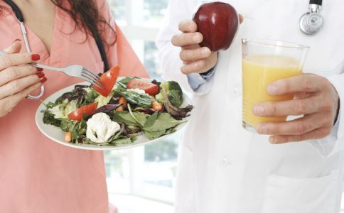 女性哺乳有哪些好处 哺乳可以降低乳腺癌风险吗 哺乳期吃什么好