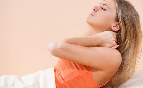 落枕的原因有哪些 落枕怎么办 落枕如何治疗