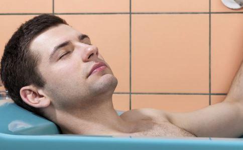 冬天多久洗一次澡 冬天多长时间洗一次澡 频繁洗澡的危害有哪些