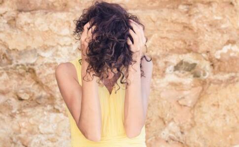 脱发年龄提前20年 徐峥回应成脱发典型人物 年轻人如何预防脱发