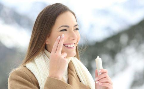 冬季女性怎么保养皮肤 掌握3个方法