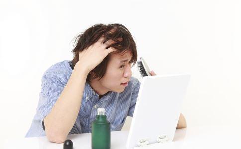 陈赫秃顶指日可待 男性秃头的原因 怎么做可以预防秃头