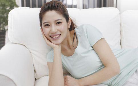 女性如何预防乳房下垂 预防乳房下垂方法 乳房下垂原因有哪些