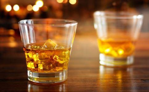 每天喝多少酒才算多 酒后不能做什么事情 哪些人一定不能喝酒