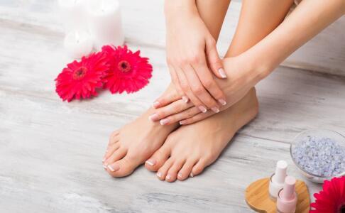 冬天露脚踝的危害 冬天露脚踝会导致关节炎吗 冬季身体哪些部位不能冻
