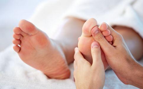 足部按摩有什么好处 足部按摩的好处有哪些 足部按摩有哪些好处