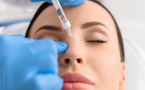 女子吃辣头肿变形 打美容针会有哪些后遗症 打美容针的副作用