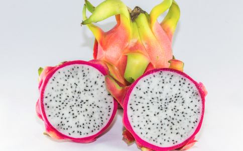 女性排毒养颜吃什么好 女性吃火龙果有什么好处 火龙果有哪些食用方法