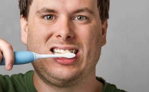 哪些人要洗牙 什么情况每年要洗牙 巴氏刷牙法步骤