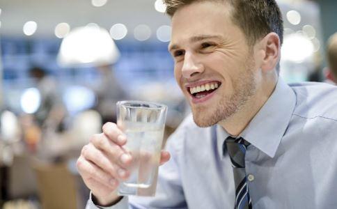 多喝水会伤害肾脏吗 如何养肾 养肾吃什么好