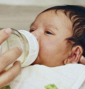 怎么判断奶粉适不适合宝宝 如何判断奶粉适不适合 怎么判断宝宝适不适合这款奶粉